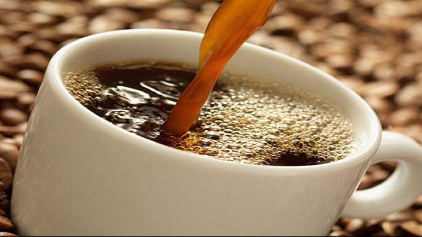 Si tomas 5 tazas o menos de café, no te hará daño al corazón