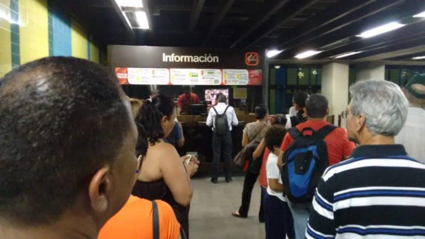 <em>Metros de cola</em>