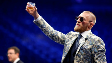 McGregor dona 1 millón de dólares para frenar la pandemia