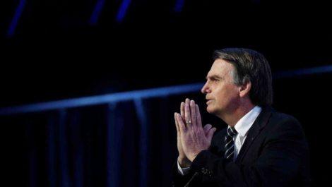 Hospitalizan al presidente de Brasil para intervenirlo quirúrgicamente el domingo