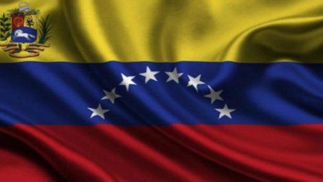 Ingeniero venezolano crea panel solar en Colombia
