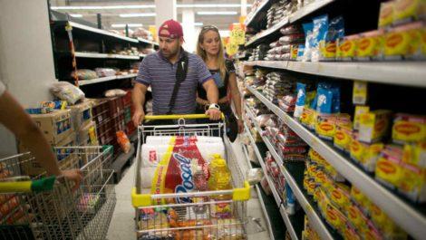 Cendas: Una familia requiere 317 dólares al mes para adquirir canasta básica