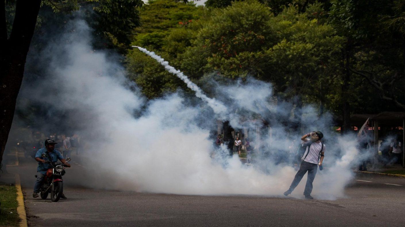 PNB reprime a estudiantes de la UCV