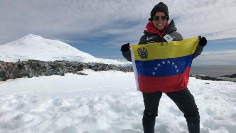 Científica venezolana viaja embarazada a la Antártida