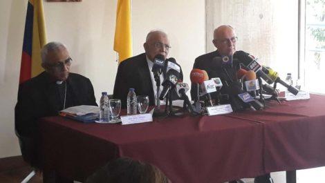 Baltazar Porras: Hasta ahora no se han suspendido las misas