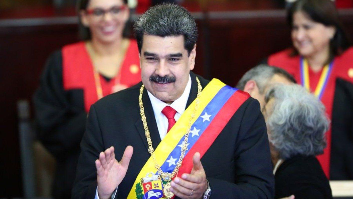 Maduro ordena cierre de embajada y consulados en EEUU