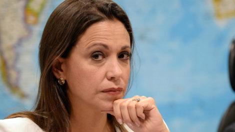 María Corina Machado: «es necesario atacarlos y socavarlos»