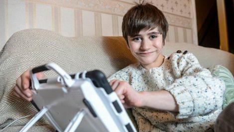 Riñón en la pierna de un niño en Reino Unido tiene a médicos «cabezones»