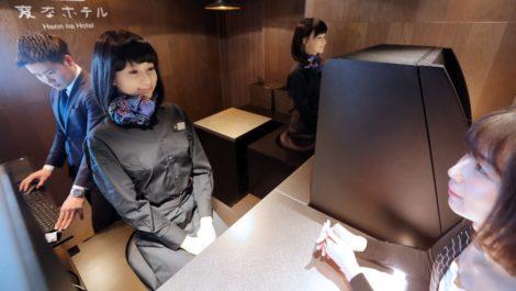 Robots en hotel de Japón son «despedidos» por ser molestos y «torpes»