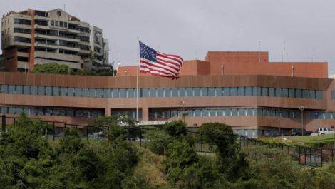 EEUU retira a su personal diplomático en Caracas