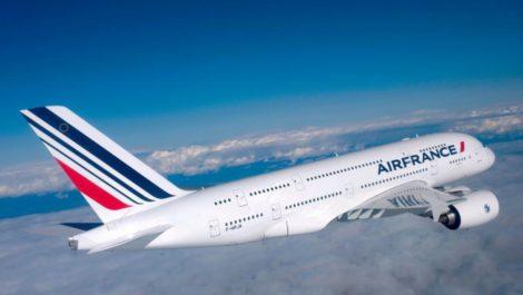 Vuelo de Air France regresó a París en la mitad de camino por sucesos del #30Abr