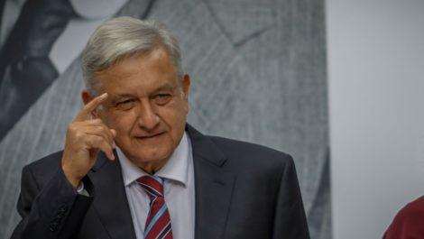 AMLO se retracta y hace un llamado a los mexicanos de «no salir a la calle»