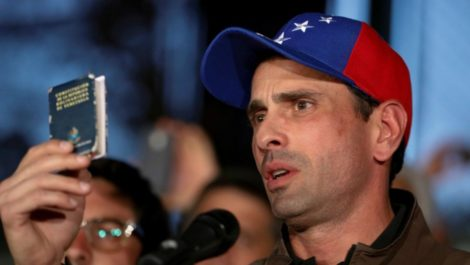 Capriles mueve sus fichas para desplazar a Guaidó