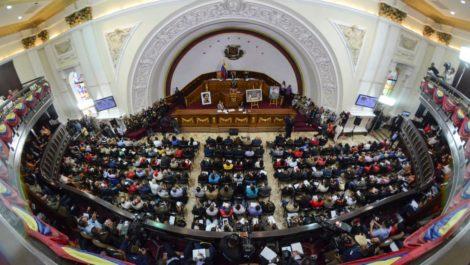 Diputados a la AN salen del país o se resguardan en embajadas por persecución del Gobierno