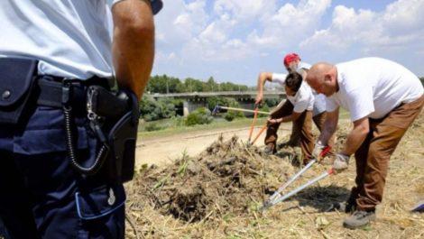 En Roma ponen a los presos a reparar las vías y limpiar las calles