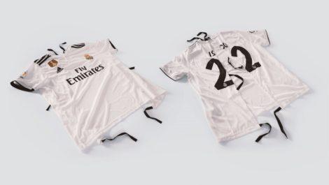 ¡Hermoso! Convierten camisetas de fútbol en batas de hospital para niños
