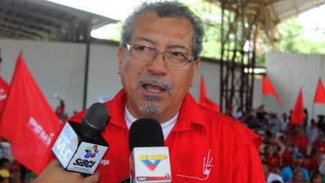 Saúl Ortega pide a la Fiscalía «tomar acciones» contra Guaidó