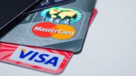 Ordenan a la banca dejar de trabajar con Visa y Mastercard antes de enero de 2020