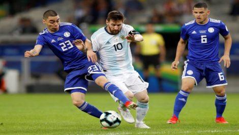 Argentina y Qatar necesitan la victoria para seguir en el torneo