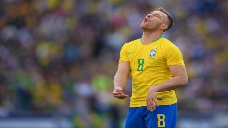 Arthur no será de la partida en el estreno de Brasil en la Copa