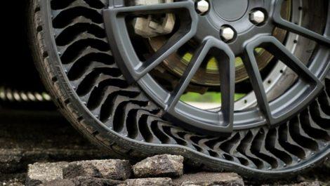 Michelin y GM inventan caucho que es a prueba de pinchazos