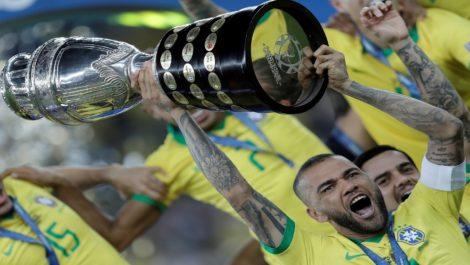 El jugador más laureado de la historia: Dani Alves