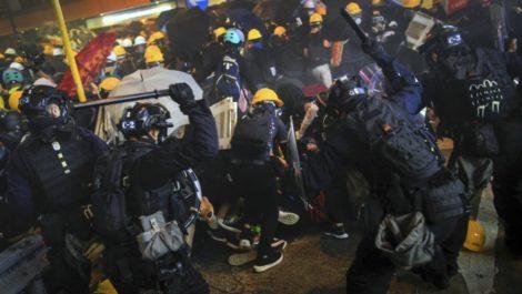 China pide que se restablezca el orden en Hong Kong tras ocho semanas de manifestaciones