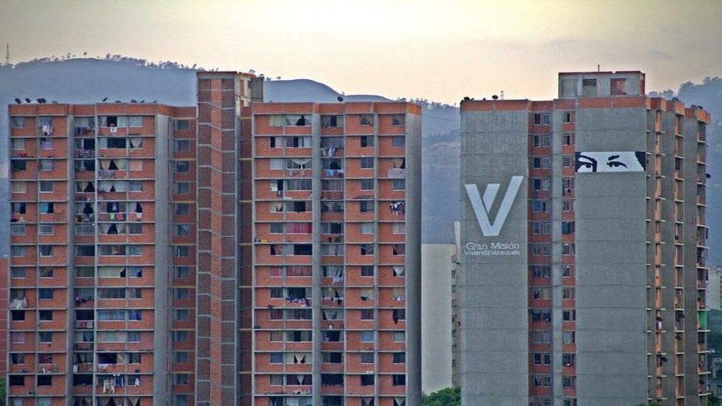 Edificio de misión vivienda