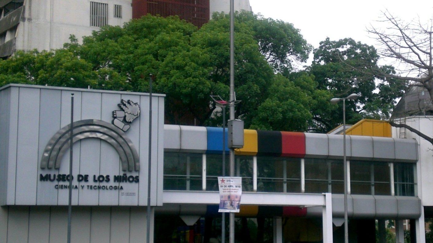 Museo de los Niños queda a oscuras por robo de cables de alta tensión