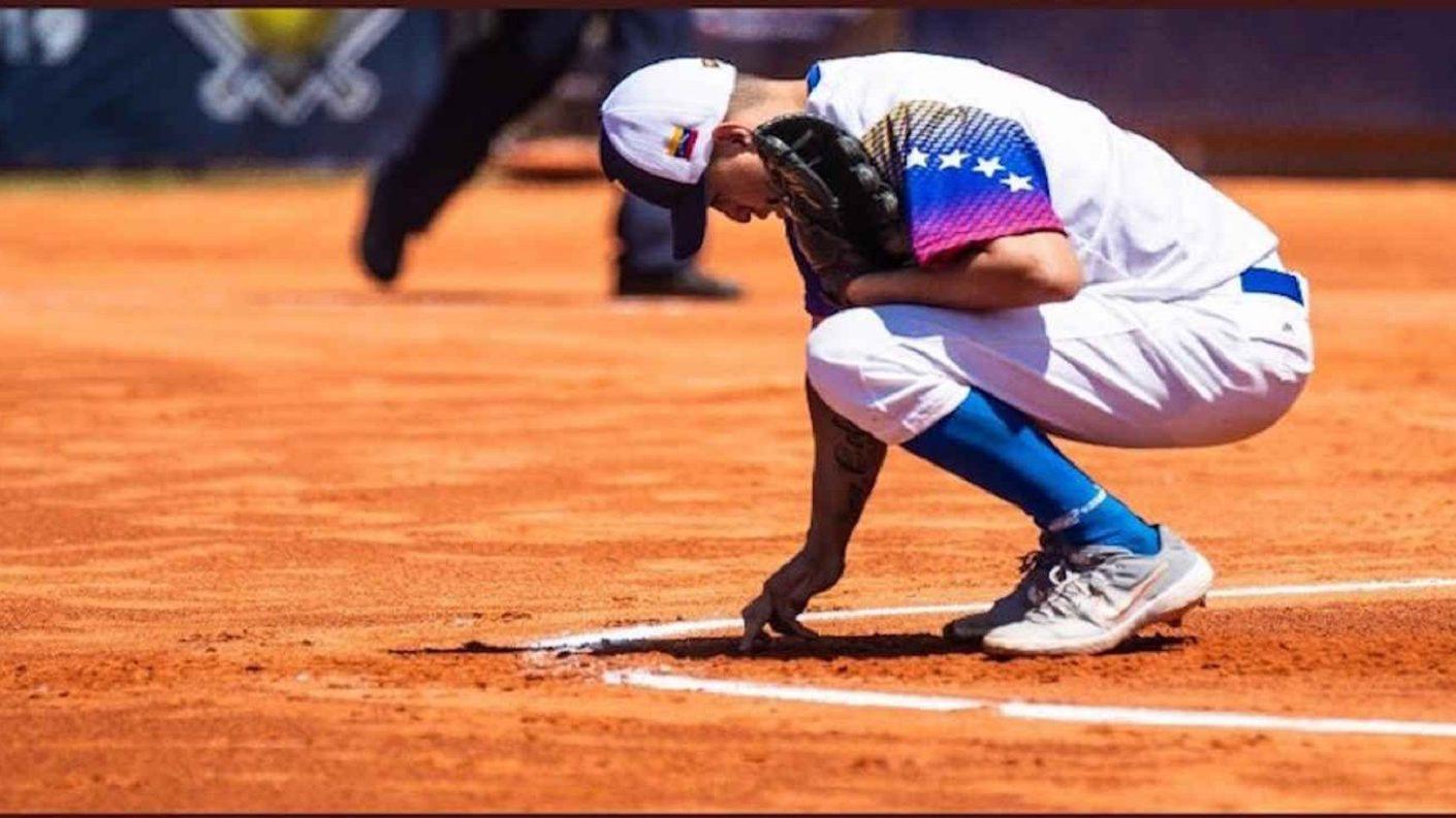 Autoridades peruanas expulsaron de un parque al equipo de softbol venezolano