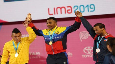 Julio Mayora Oro con tres récords panamericanos