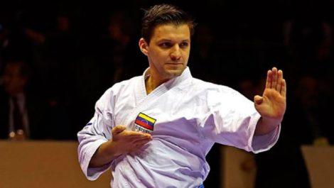 Antonio Díaz colocó el tricolor nacional en lo más alto