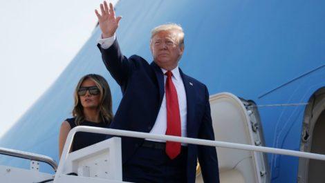 Trump amenaza con «regular o cerrar» las redes sociales