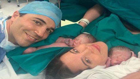 Jessica Barboza dio a luz a sus gemelas Olivia y Chloé