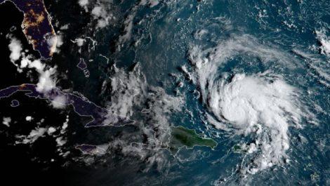 Dorian se dirige a Las Bahamas y acelera su paso a categoría 5