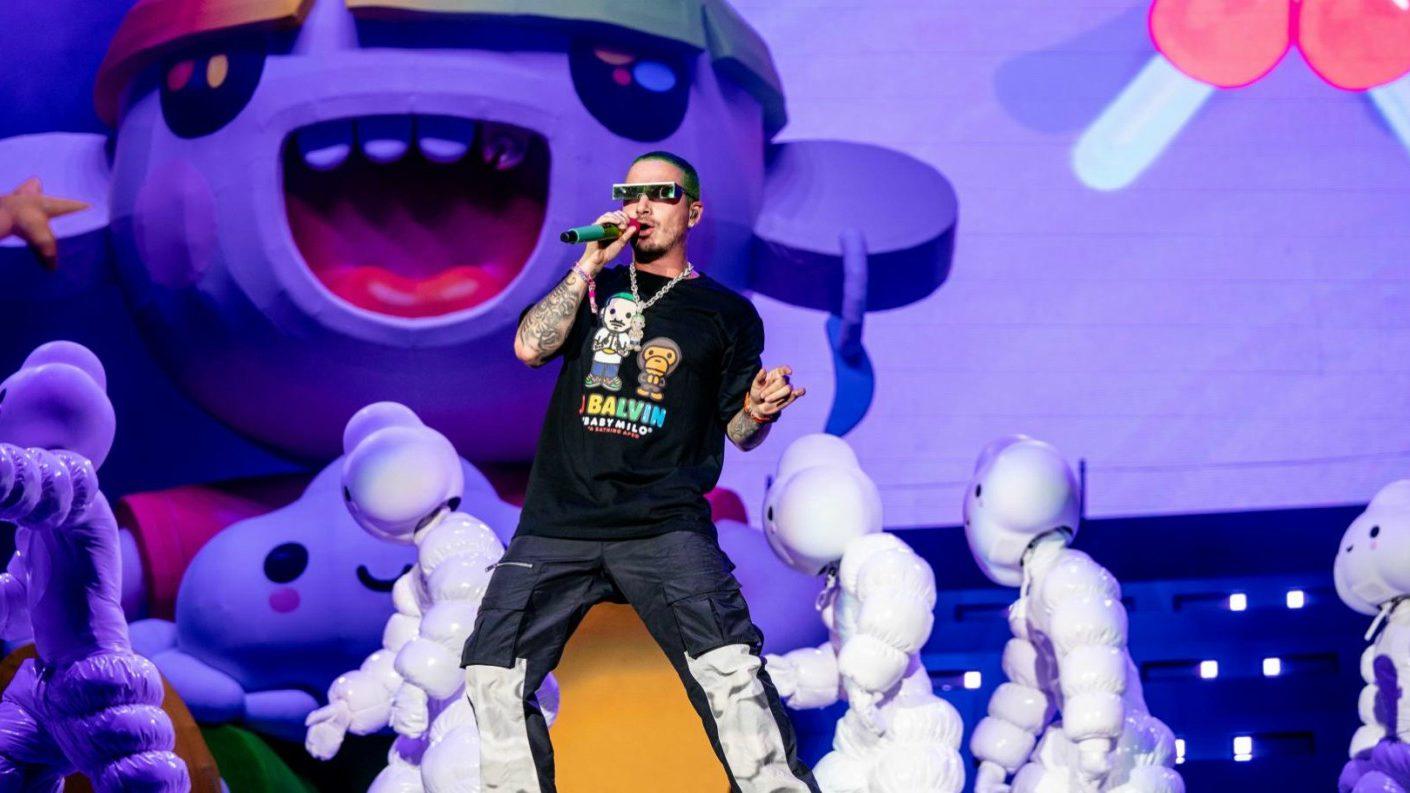 J Balvin se convierte en el primer latino en hacer 'explotar' con su música el Lollapalooza