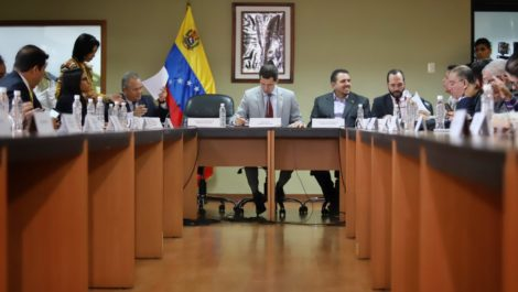 Guaidó: agentes cubanos persiguen y torturan a militares venezolanos