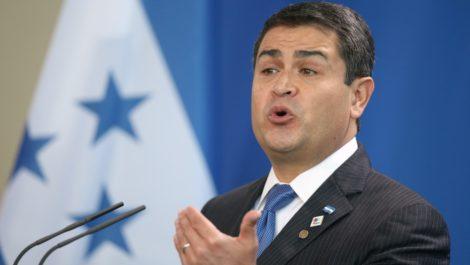 Presidente de Honduras niega estar involucrado en narcotráfico