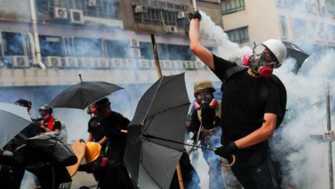 Vuelve tensión a las calles de Hong Kong en nueva jornada de protestas