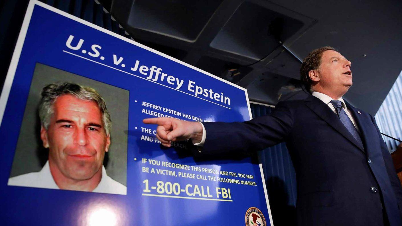Magnate estadounidense Jeffrey Epstein fue hallado ahorcado en su celda