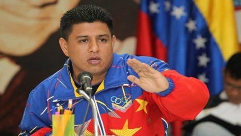 Ministro del Deporte reconoció fallas y exigió a su equipo «ponerse las pilas» con atletas