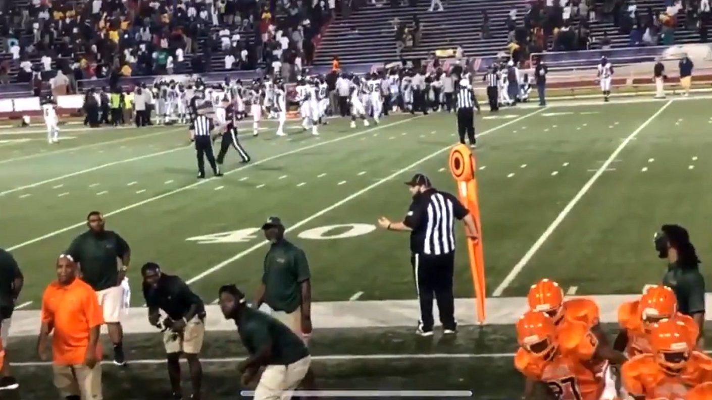 EEUU: Al menos 10 heridos dejó un tiroteo en partido de fútbol estudiantil