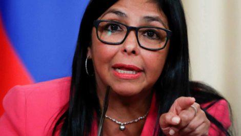 Ministro español confirma que sí se reunió «en secreto» con Delcy Rodríguez