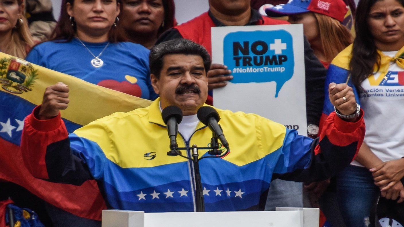 Maduro dice que cuenta con 12 millones de firmas contra Trump