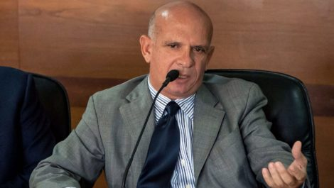 España cesará a consejero de su embajada en Washington por caso de Hugo Carvajal