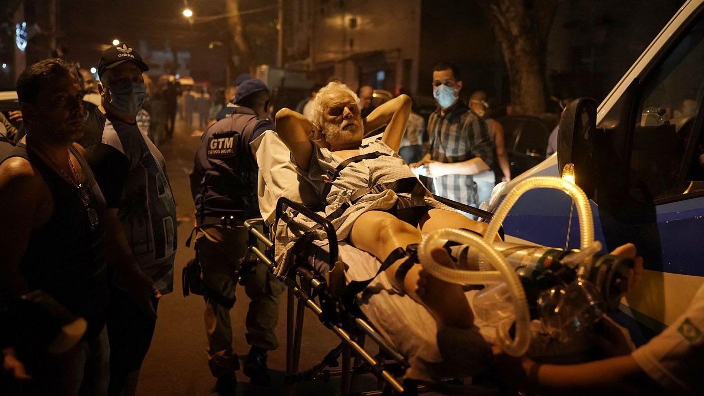 Incendio en un hospital de Río de Janeiro deja 11 pacientes muertos