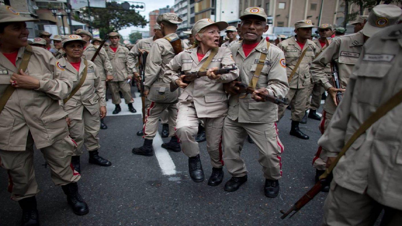 Carreño amenaza a Colombia: «Hay doce mil milicianos francotiradores entrenados»