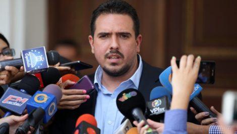 Stalin González dice que situación en Venezuela está «trancada» por Maduro