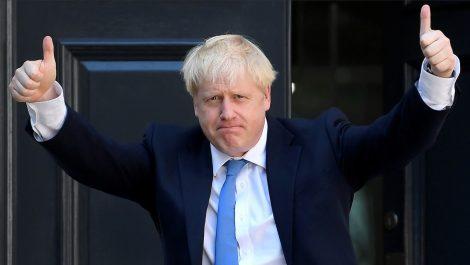 Reino Unido exigirá a los inmigrantes hablar inglés y llegar con una oferta