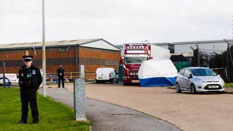 Los 39 cadáveres hallados en un camión son de chinos